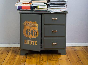 pochoir invers pour repeindre un meuble peinture meuble. Black Bedroom Furniture Sets. Home Design Ideas