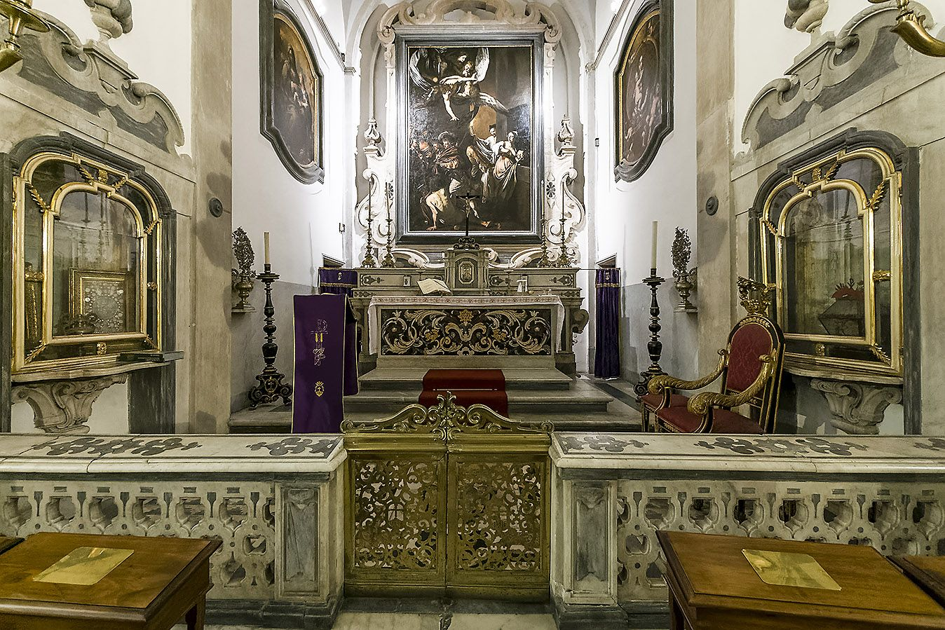 Pio Monte Della Misericordia Naples The Presbytery In The  # Monte Pio Muebles