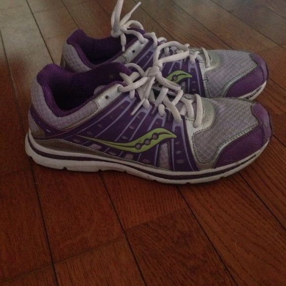 Running shoes A little dirty but in great condition!! Willing to trade of what u have in ur closet Saucony Shoes Athletic Shoes