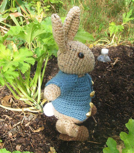 Peter Rabbit Crochet Toy   640x560