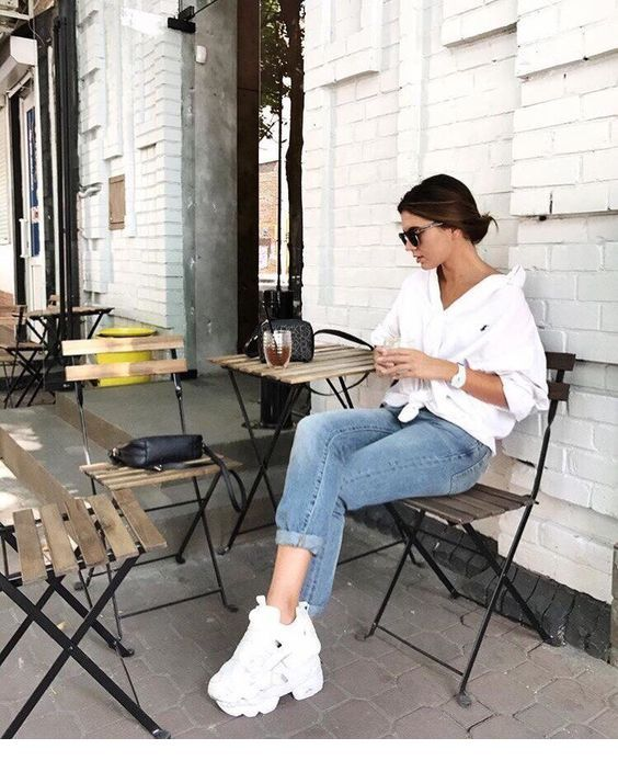 Going for a coffee in town | Inspiring Ladies #travelwardrobesummer