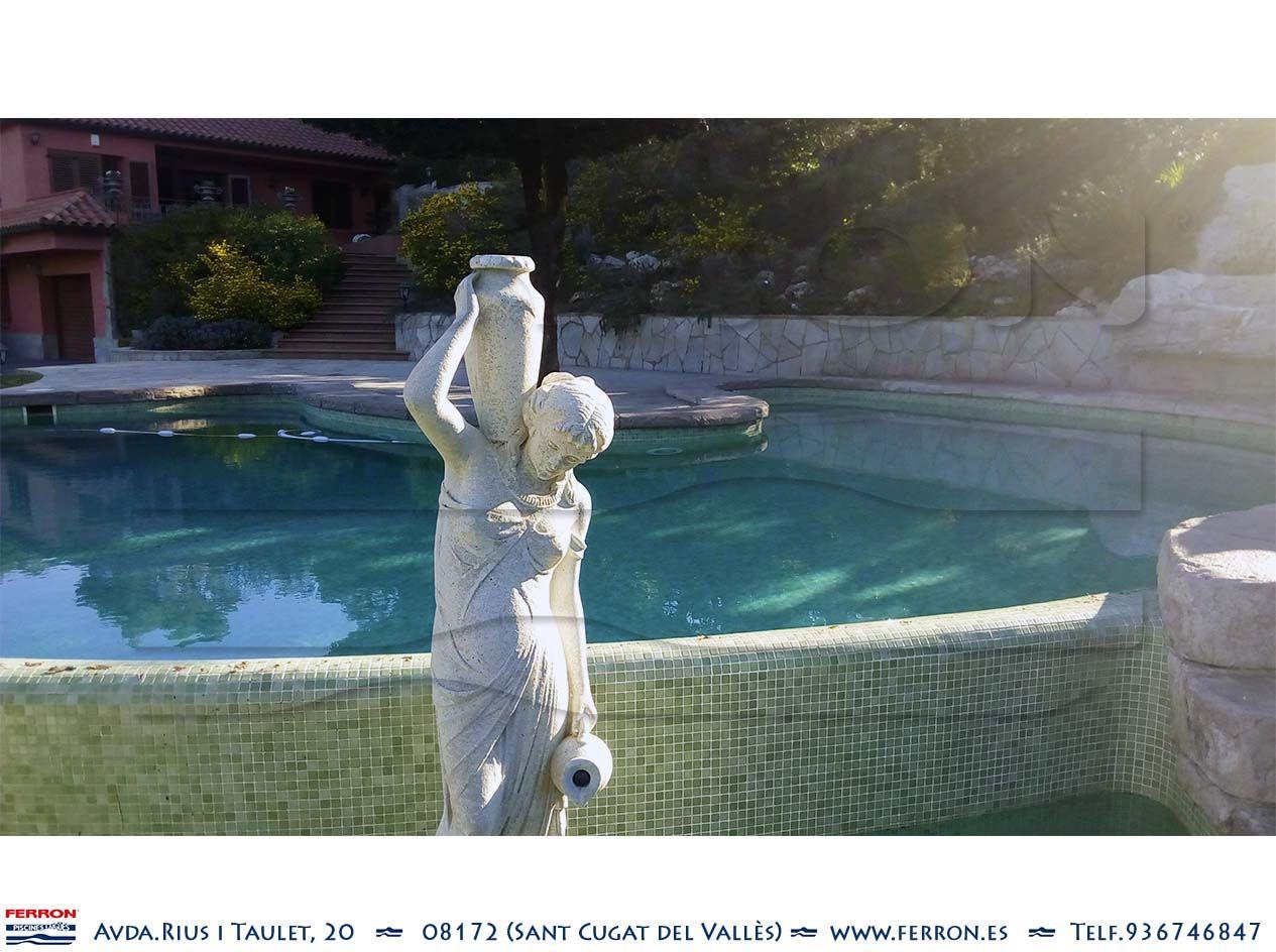 Piscina de FERRÓN@PISCINAS. Detalle de cascada en piscina imitando ...