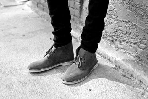 Grey Clarks desert boots + black slim fit jeans, so simple