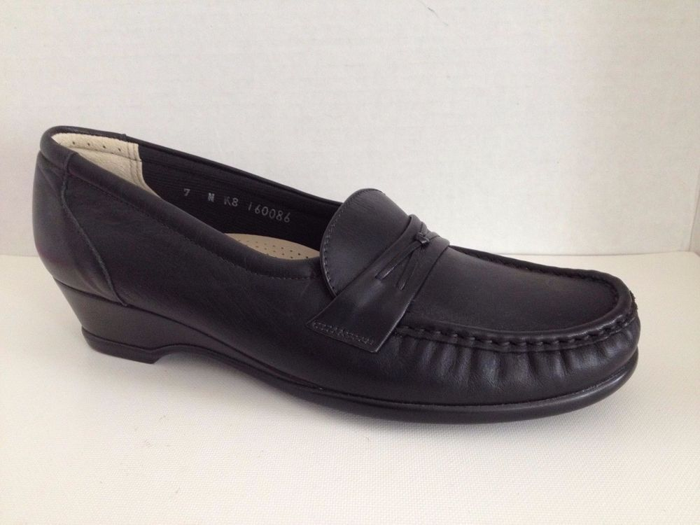 d8ab08808e1213 SAS Shoes Womens Size 7 N Narrow Black Loafers 7N Easier Made in USA  SAS   LoafersMoccasins  WeartoWork