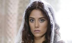 Cansu Dere | Cansu Dere | Tv series, Turkish actors, Turkish