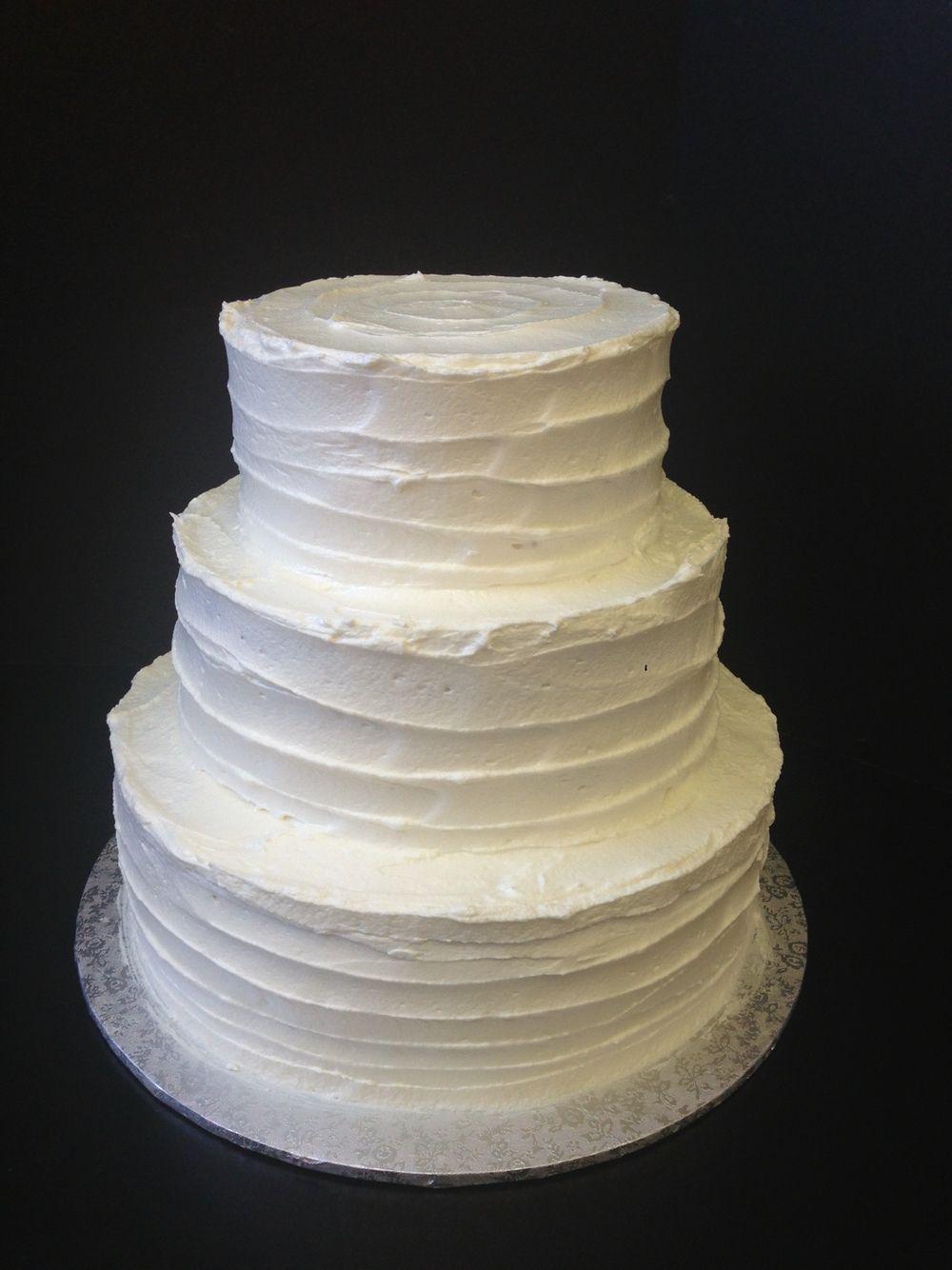 Texture icing wedding cake
