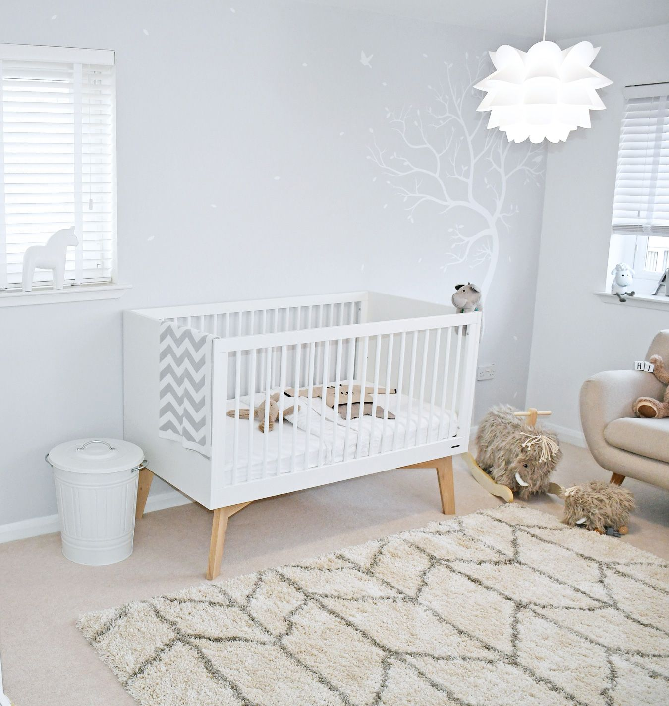 Scandinavian Nursery With Grey And White Walls Scandinavian Style Cot And Chevron Rug Scandinavian Baby Room Appartment Decor Baby Room