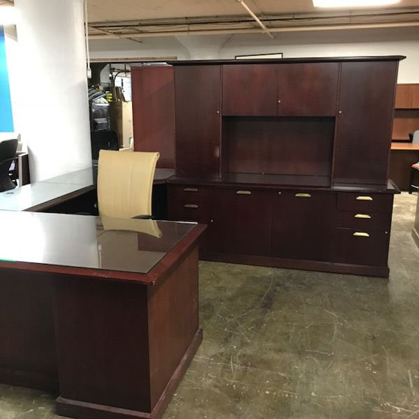 Gianni U Shaped Wood Desk W/Credenza And Hutch
