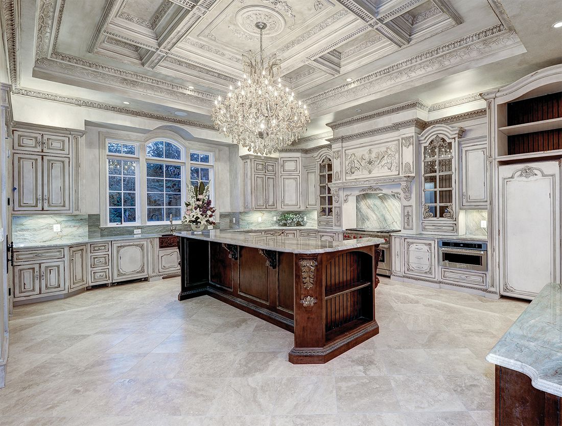 White Kitchen Custom By Maple Ridge Cabinetry Dream Kitchens Design Mansion Kitchen Luxury Kitchens