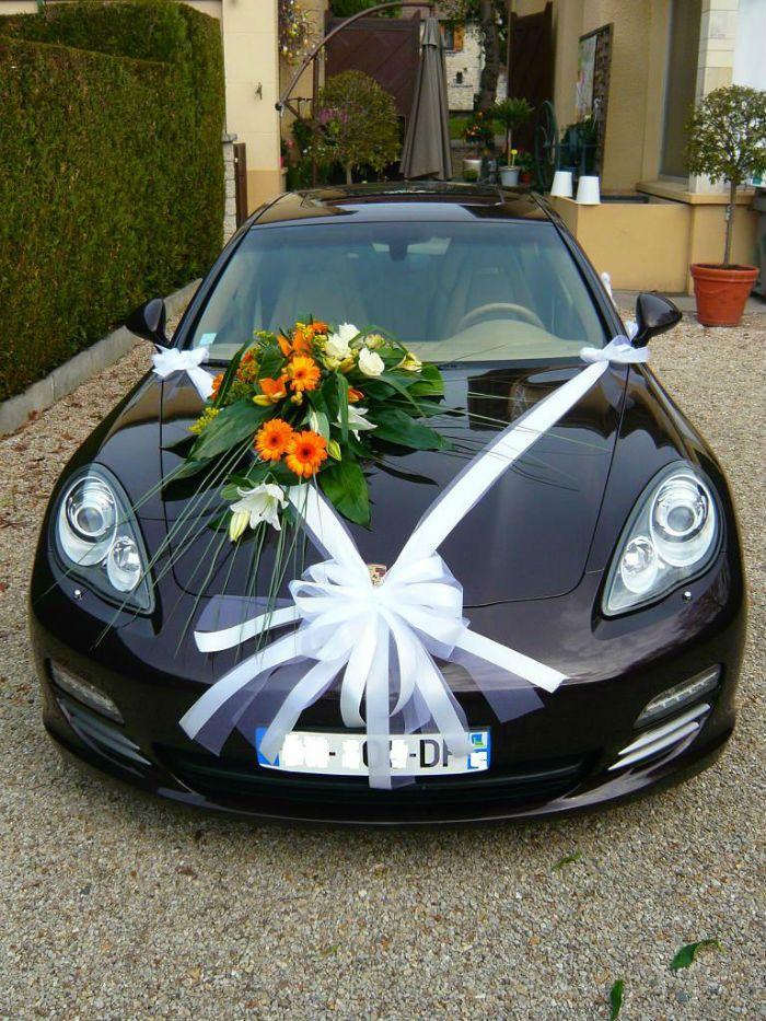 Fleuriste Mariage Etrechy Pour Decorer Votre Voiture Mariee Voiture Mariee Voiture Mariage Decoration Voiture