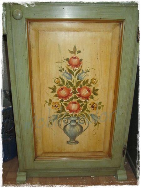 Risultati immagini per mobili tirolesi decoro mobili - Mobili dipinti tirolesi ...