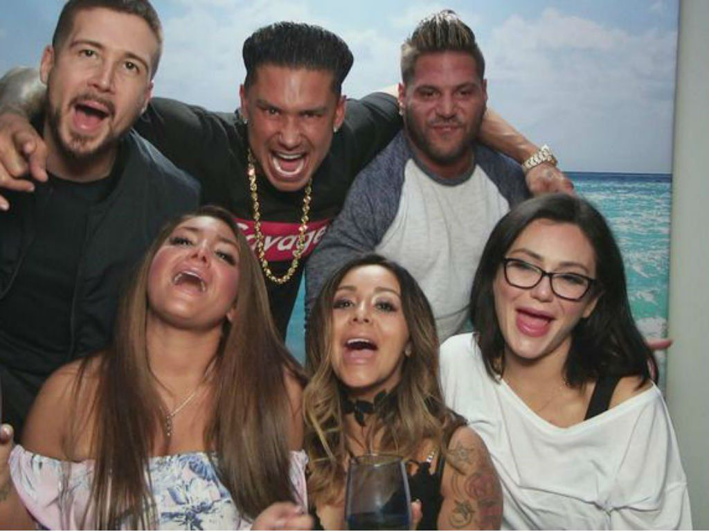 Jersey Shore Family Vacation Trailer Teases Jwoww Divorce Mike The Situation Sorrentino Legal Battle And So Much More Drama Jersey Shore Jwoww Snooki And Jwoww