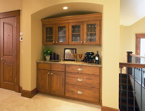 Incroyable Wet Bar Using Kitchen Cabinets In Other Rooms Chez Moi