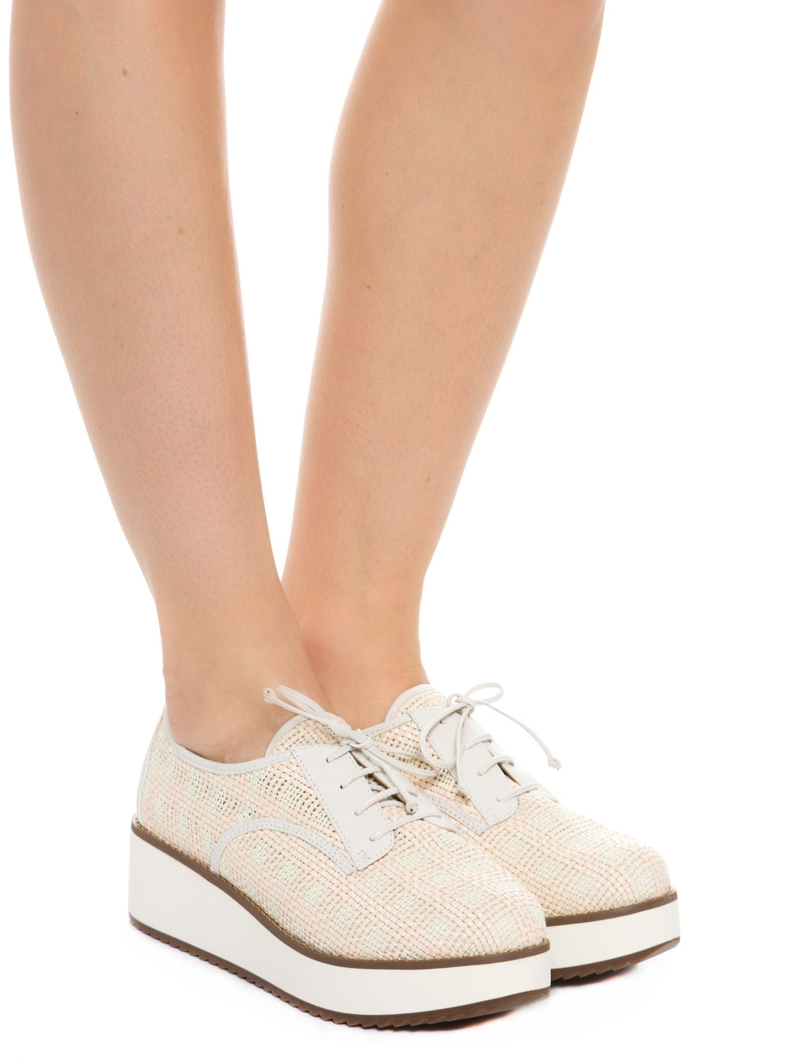 f209bf5dd5 Sapato Fechado Salto Baixo Tresse Soft - Schutz - Off White - Shop2gether