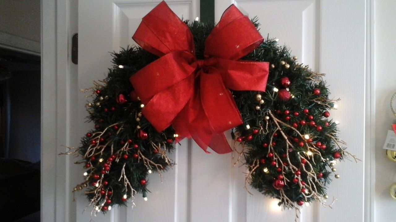 Christmas lighted wreath garland swag shipping included half christmas lighted wreath garland swag shipping included half wreath berry wreath window over door outdoor swag elegant holiday decor aloadofball Image collections