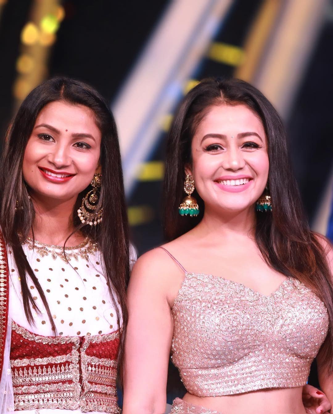 Pin By Zeba Shakil On Bollywood Celebs Neha Kakkar Dresses Neha Kakkar Bollywood Celebrities