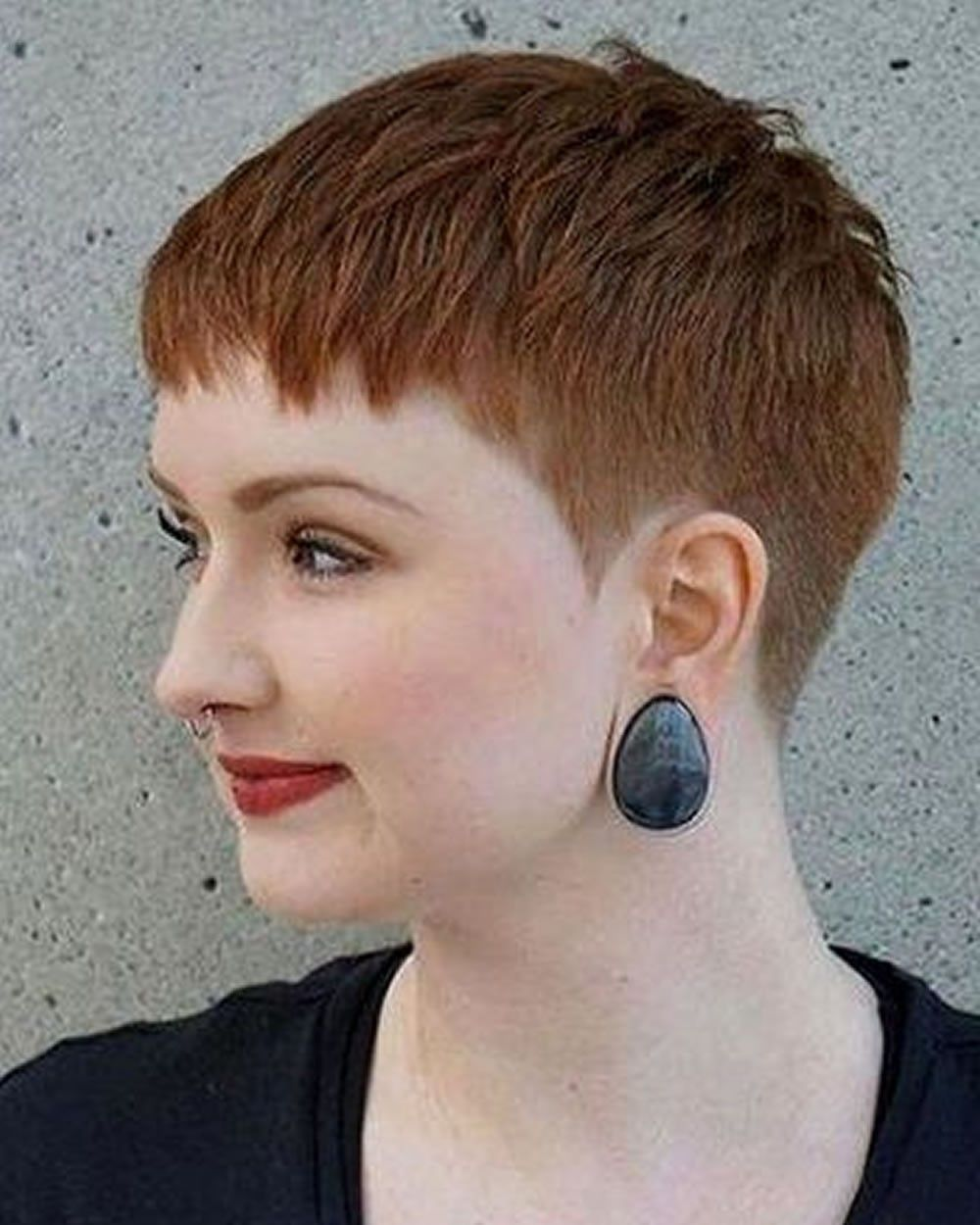 Hairstyles for Round Face and Thin Hair 12  Short hair styles