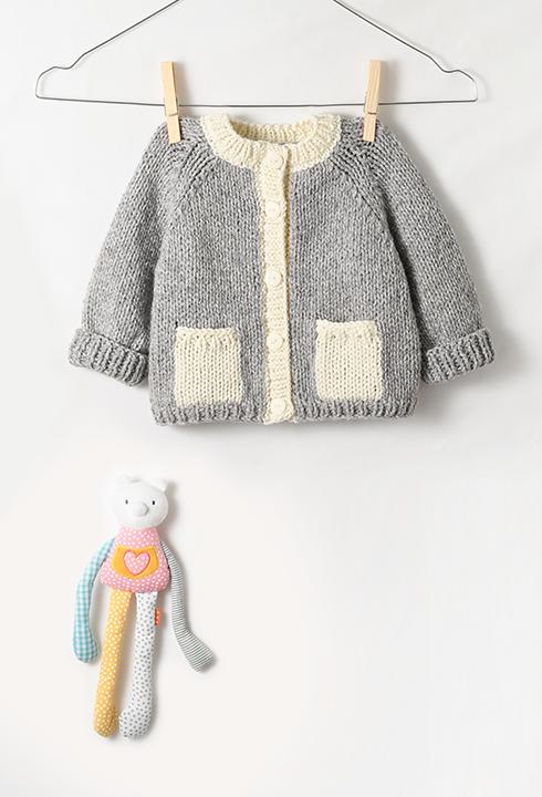 01669fc5a607 Modèle Layette - Le gilet Raglan   couture et tricot pour bébé ...