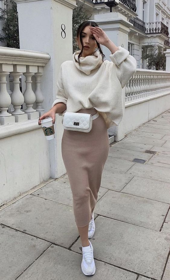 Combinação Preferida de Inverno: Suéter + Saia com