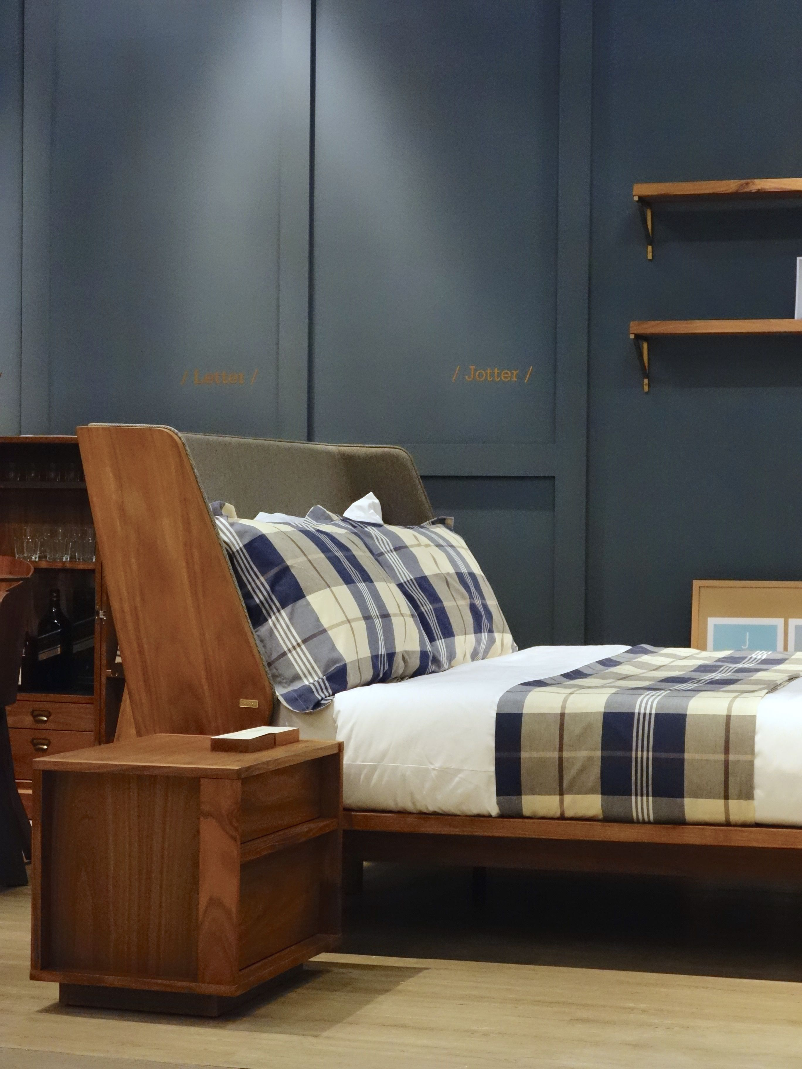 Jotter Bed Blk Bedside Table by Star Living JotterGoods