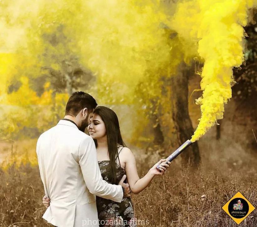Pre Wedding Shoot Ideas Quirky Prop Ideas For Pre Wedding Shoot Pre Wedding Pre Wedding Photoshoot Outdoor Pre Wedding Photoshoot Props Pre Wedding Poses