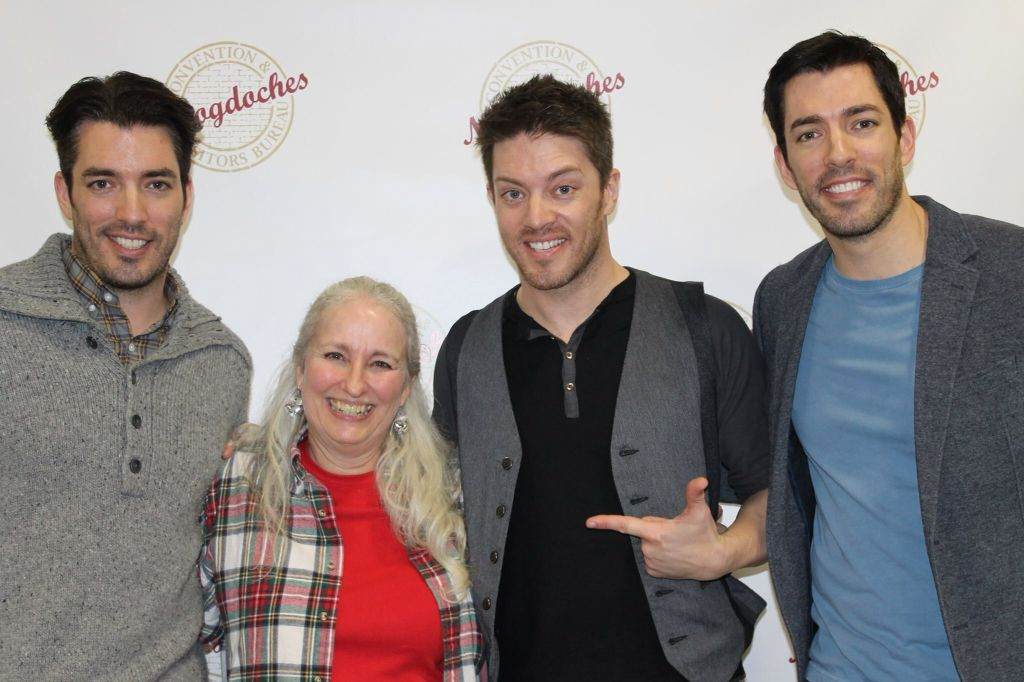 Jonathan, JD, and Drew Scott with a fan in Texas. :)