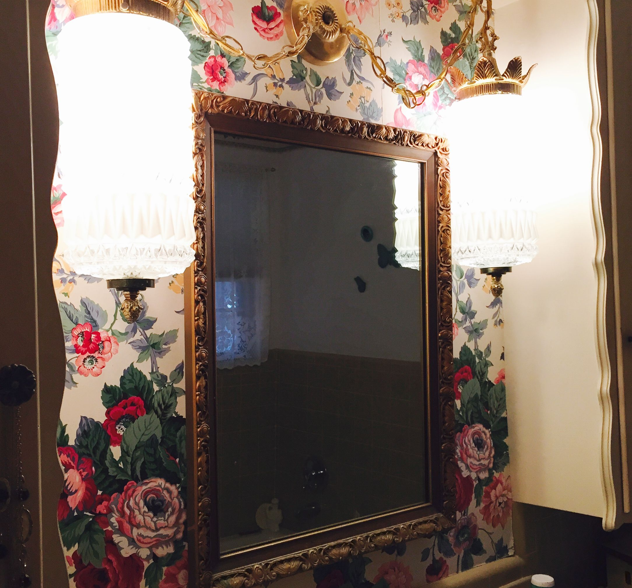 interior design of bungalow houses%0A Grandma Estelle u    s bathroom