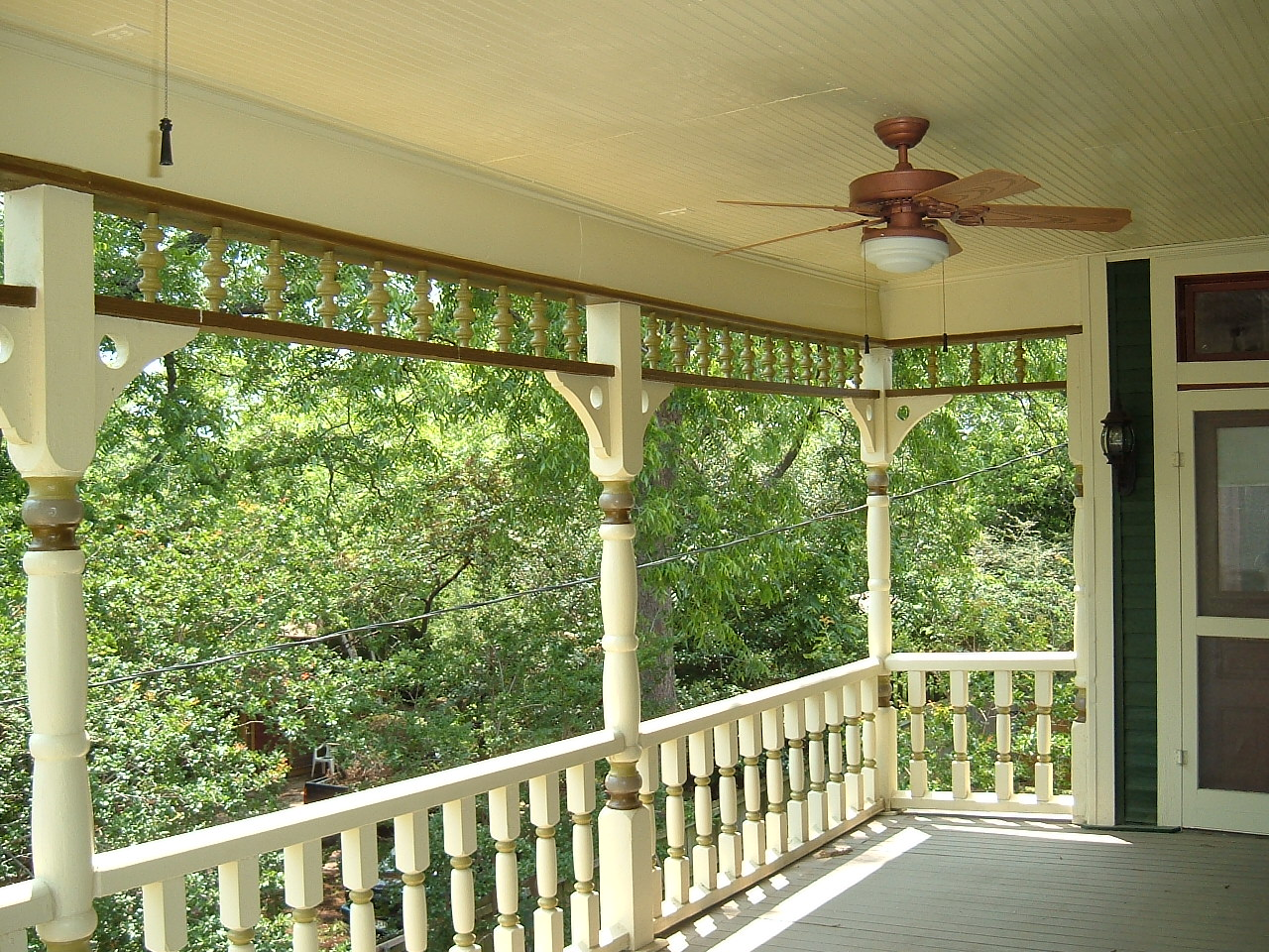 Houses With Wrap Around Porches On The Second Floor