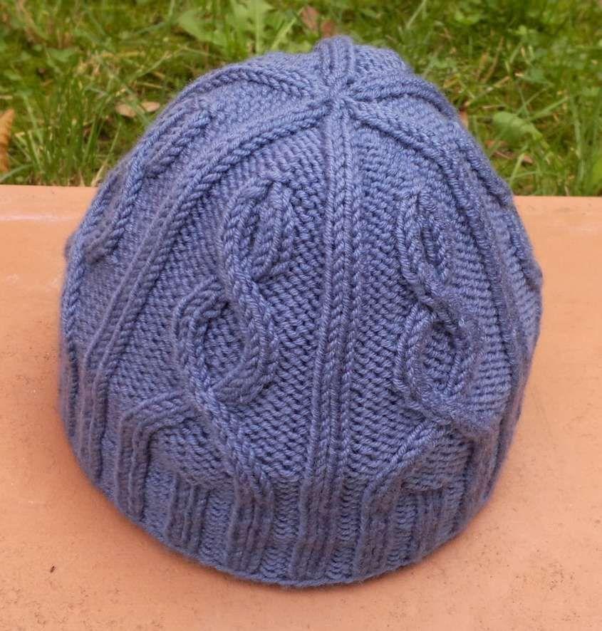 Cappelli di lana ai ferri - Berretto viola  8e3708439276
