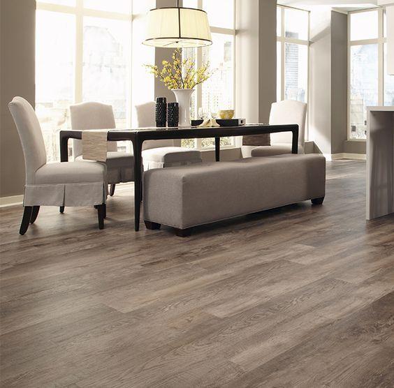 26 Oak Looking Vinyl Plank Floors For A Dining Room Digsdigs Pisos Amadeirados Decoracao De Casa