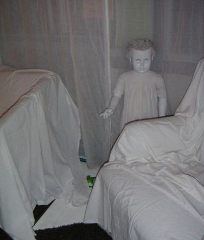 13 Halloween Decorations That Are Truly Terrifying Scary halloween