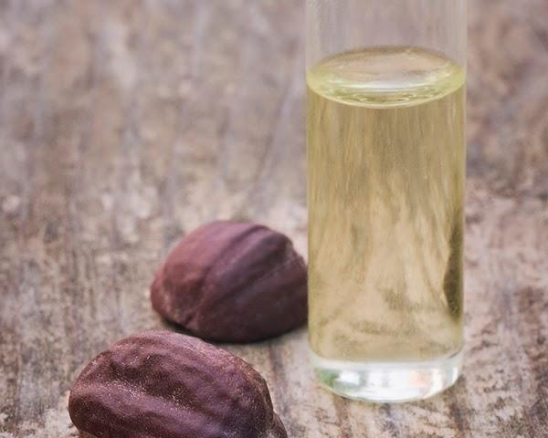 Como usar o óleo de jojoba no cabelo - 7 passos - umComo