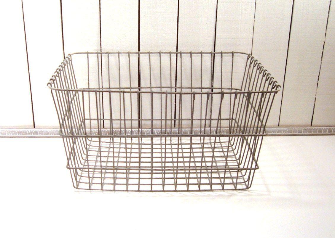 Large Wire Basket, Laundry Basket, Warehouse Bin, Vintage Galvanized Wire  Basket, Rustic