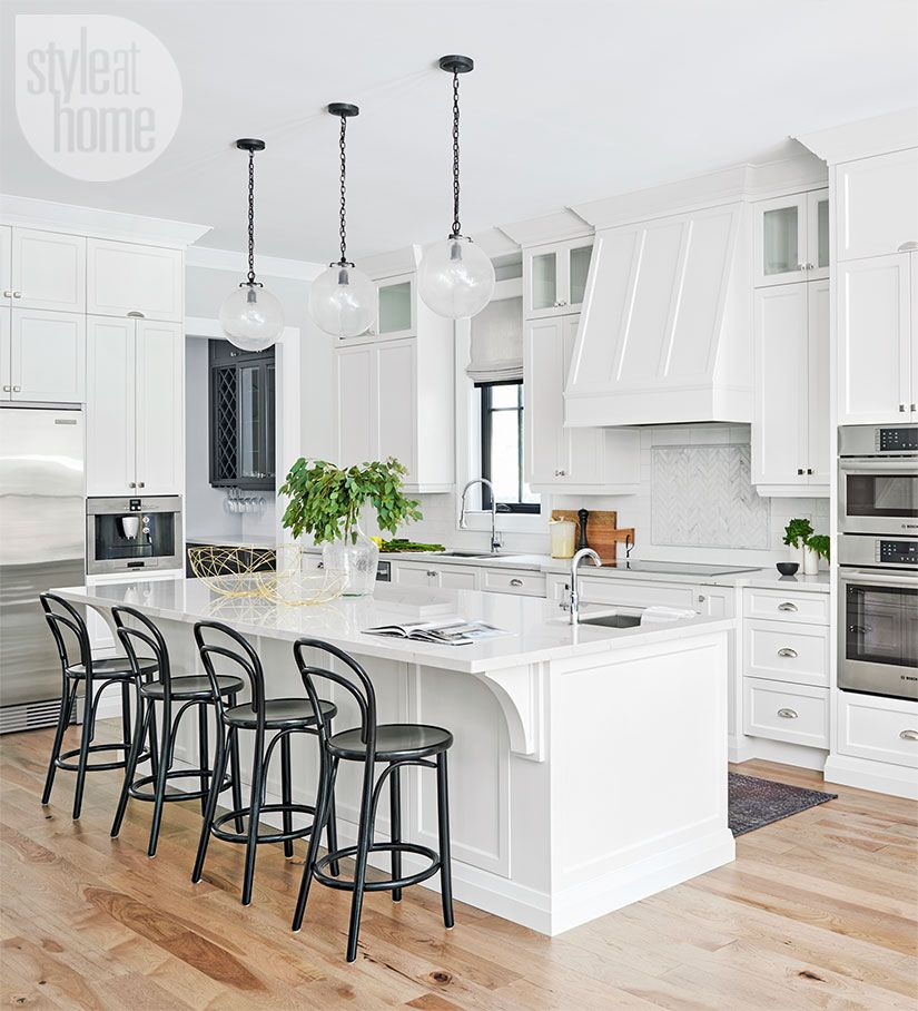 A Contemporary Classic Kitchen Peppered With Personality Style At Home Classic Kitchens Classic White Kitchen Classic Kitchen Design