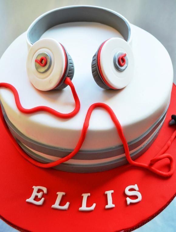 Beats Cake I Would Love A Cake Like This For My Son S 15th