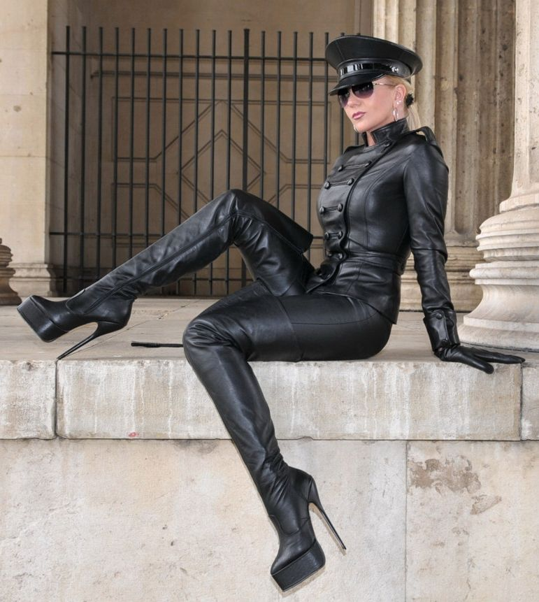 Leather, Queens And Latex