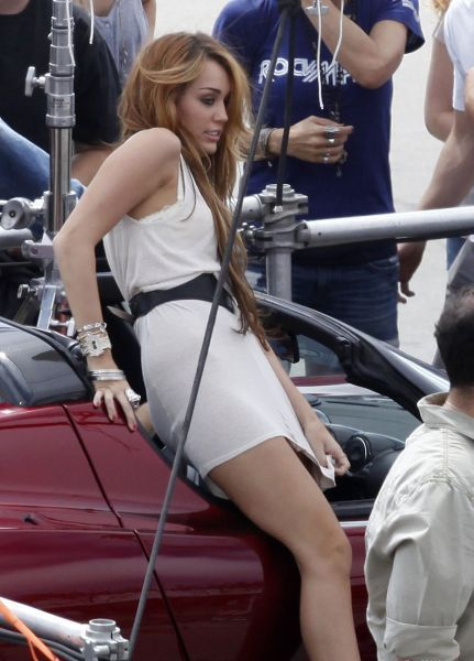 Miley cyrus upskirts picture