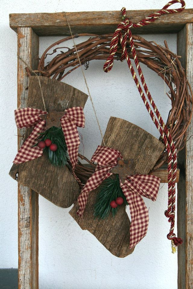 barn wood crafts ideas santa s boots made from barn board crafts 3423