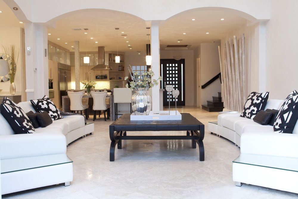 Sarah Z Designs Was Founded By Sarah Zohar Who Graduated From The Art Institute Of Ft Lauderdale Luxe Living Room Luxury Living Room Contemporary Home Decor