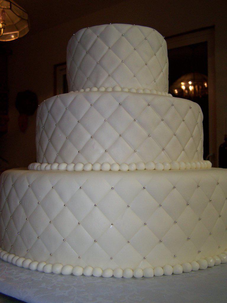 Paisley Cakes Wix Com Paisley Cake Wedding Cake Quilted Wedding Cake Boards
