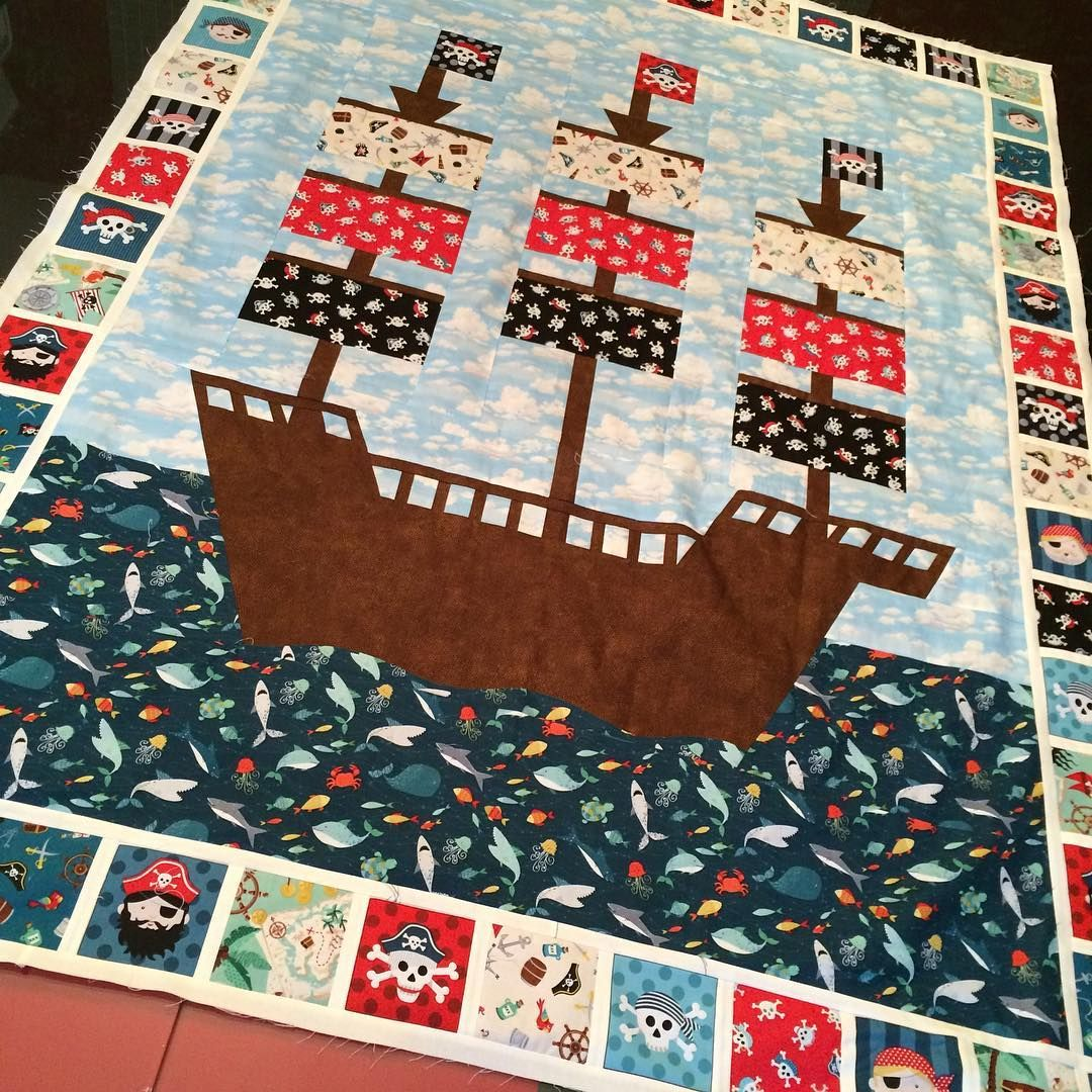 Making a pirate ship quilt from the new makower pirates for Kids pirate fabric