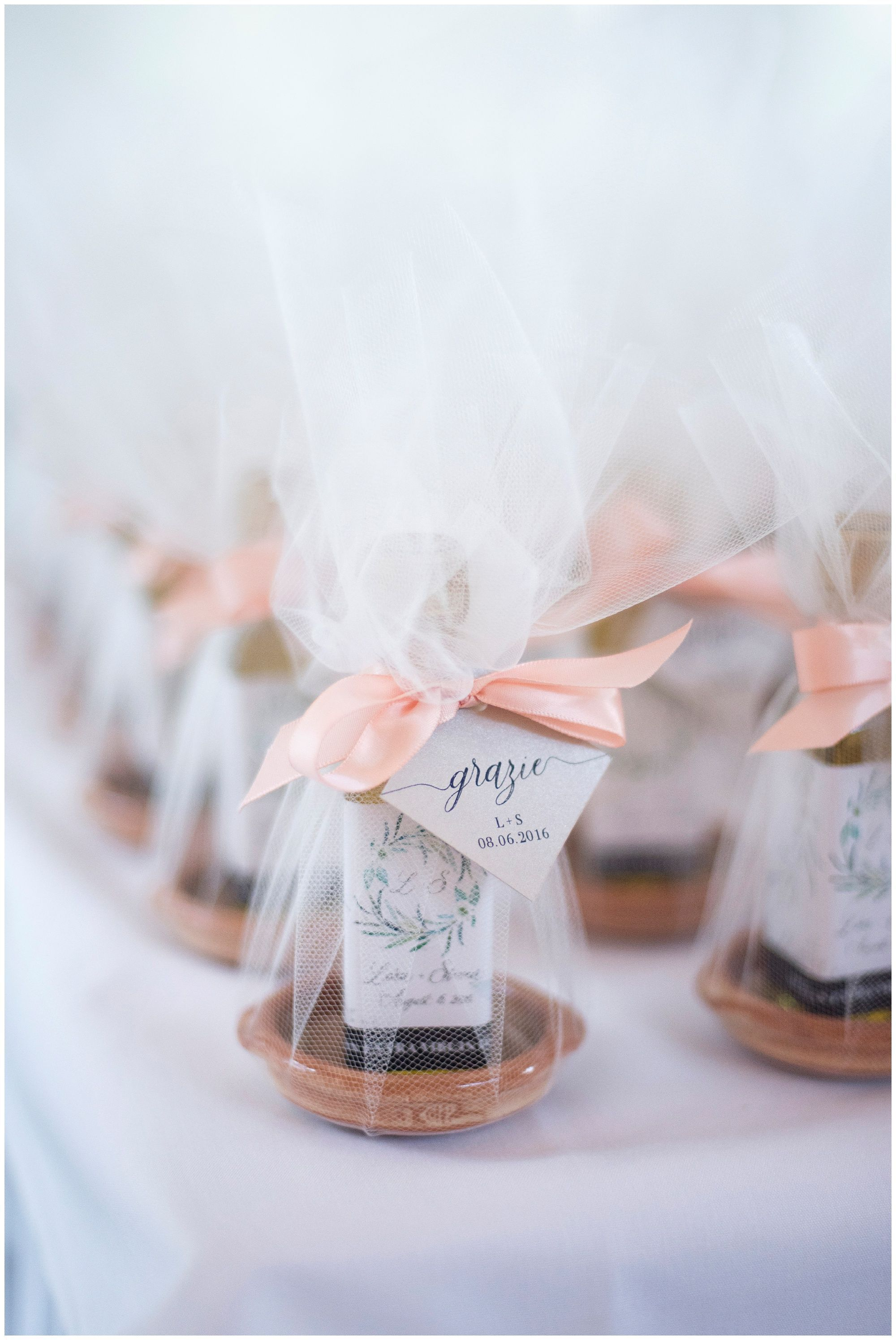 The Best Wedding Favor From An Italian Couple Olive Oil With A Small Dipping Dish Wrapped In Homemade Wedding Favors Wedding Gift Favors Best Wedding Favors