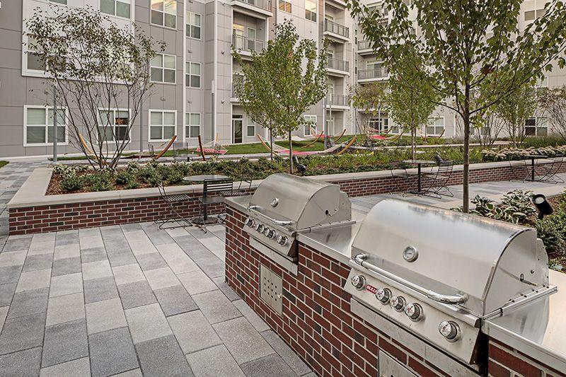Courtyard Patio Outdoor Kitchen