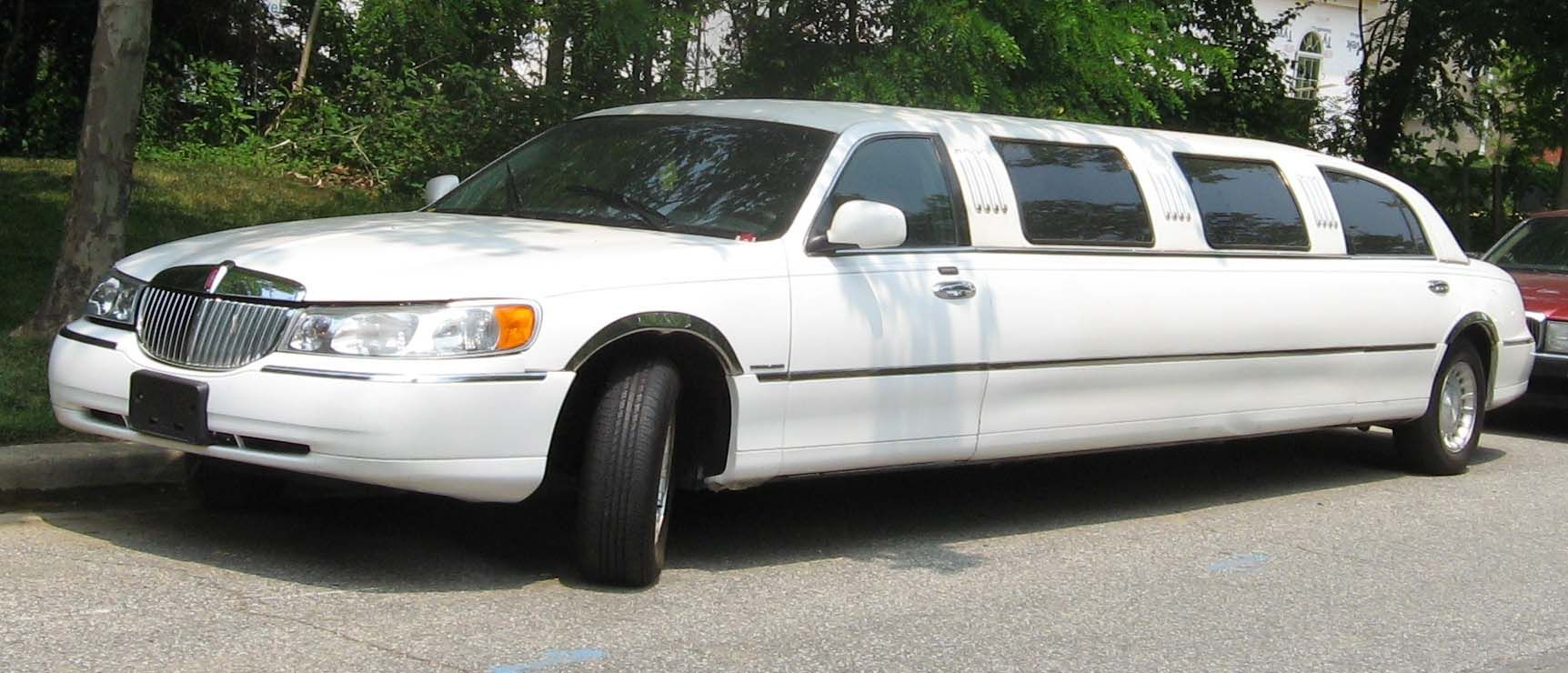 lincoln town car limousine luxury car pinterest limo and lincoln town car. Black Bedroom Furniture Sets. Home Design Ideas