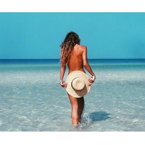 anibikinis:  Weekend plans ☀️ #tgif #alohafriday #summerstyle x
