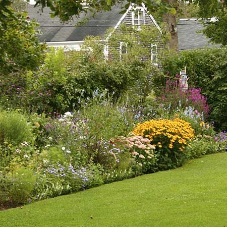 Cottage Garden Designs colorful cottage garden plan traditional cottage gardens often use a picket fence as a backdrop Cottage Gardens