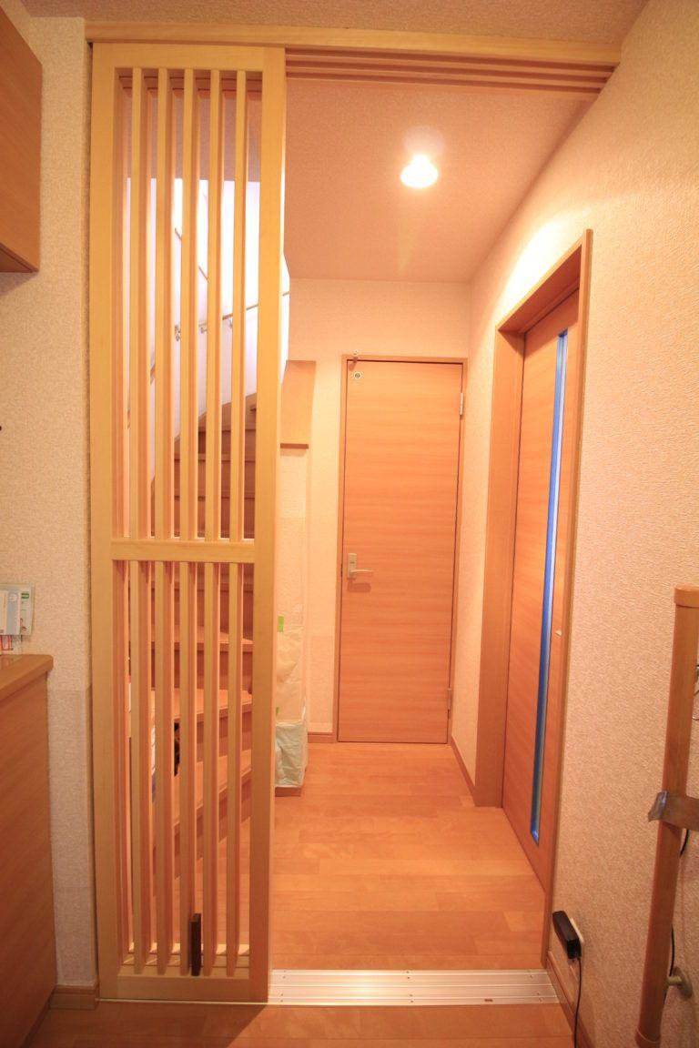 猫脱走防止扉を納品してまいりました 神奈川 小田原 足柄 西湘地区 のリフォームはアールリフォーム工房へ リフォーム インテリア 家具 木製室内ドア