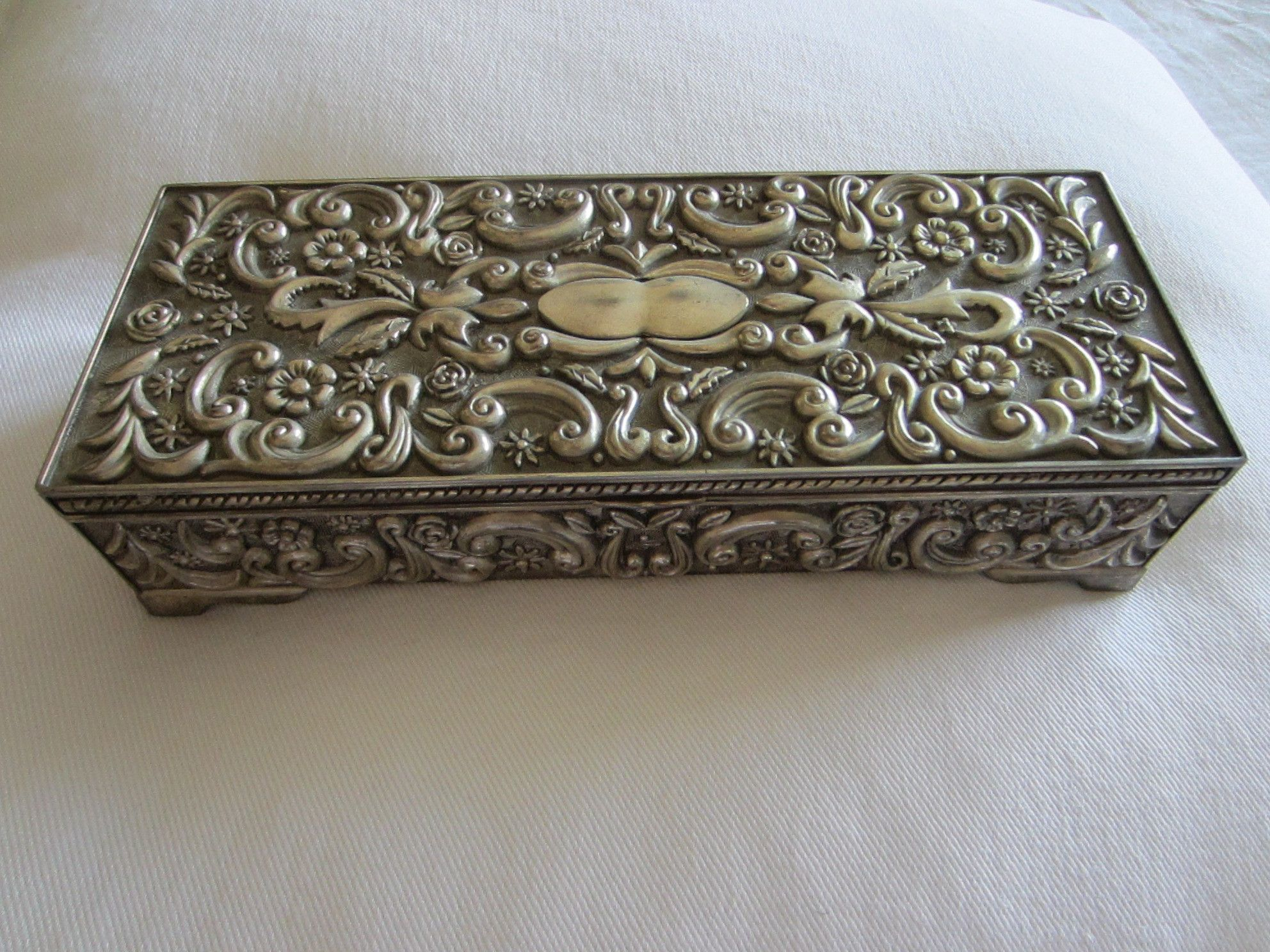 Godinger Silver Mirrored Sectional Jewelry Casket Floral Chasing