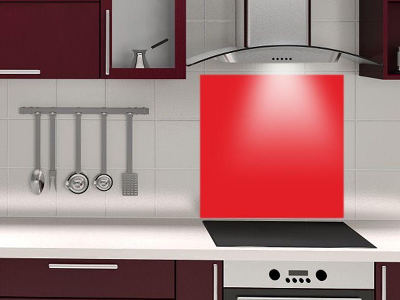 Fond de hotte couleur ROUGE VIF - design-credence-decofr crédence - pose d une hotte decorative
