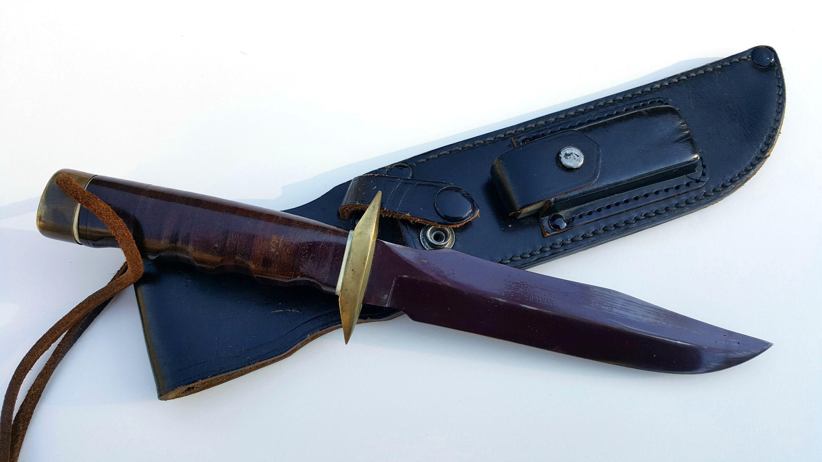 Rare Vietnam War MACV-SOG Red Blade SOG Knife aka Plum Blade